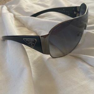prada sunglasses 2000's vibe
